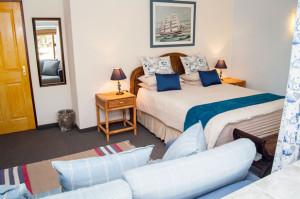Cheetah-Lodge-Accommodation-in-Mossel-Bay-7