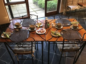 Cheetah-Lodge-Breakfast-setting